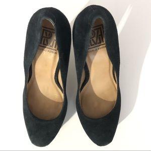 Pour la Victoire -Vero Cuoio Black Suede Heels